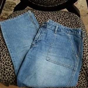 Old Navy Capri jeans, 16